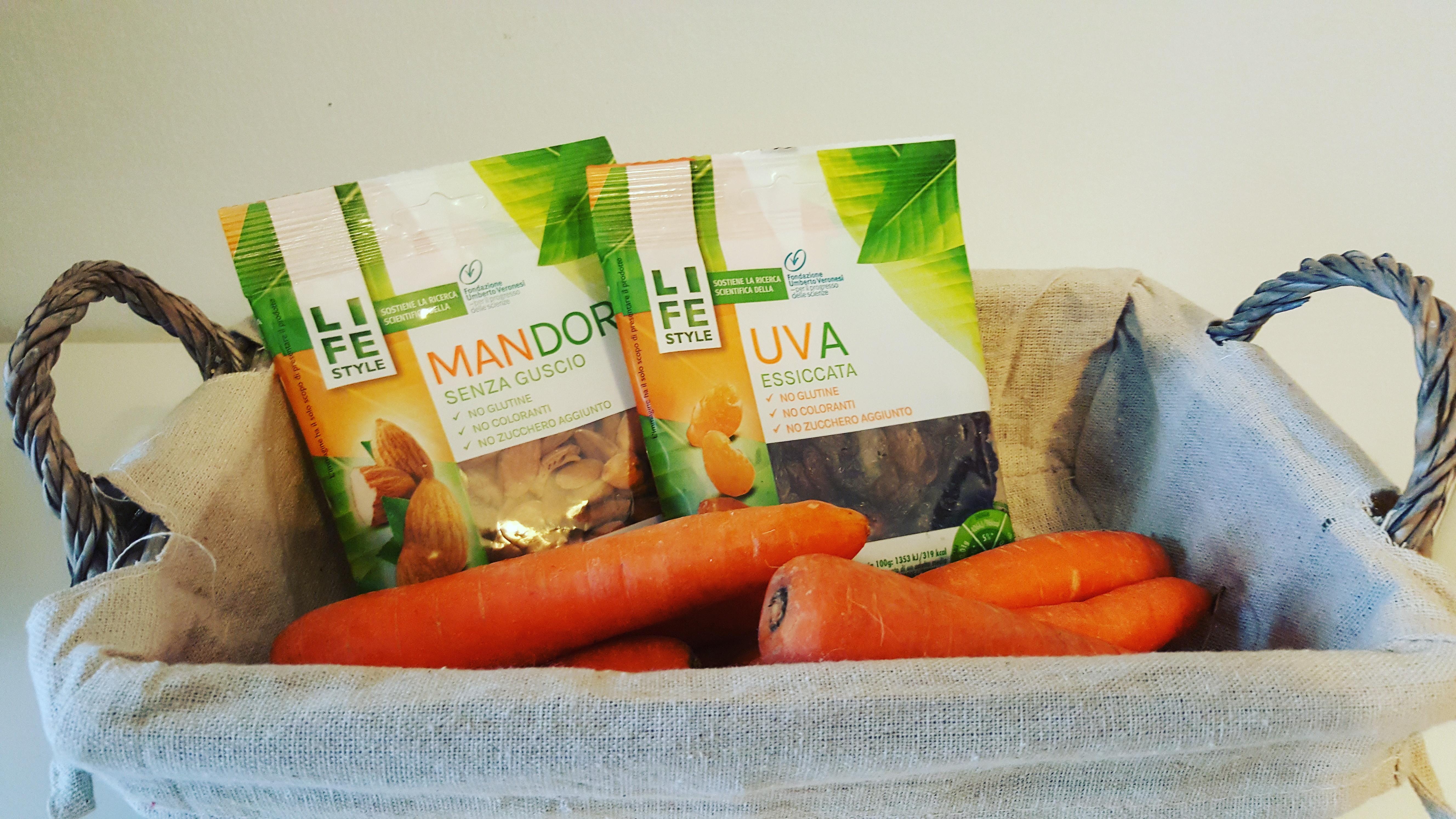 ingredienti cuore mandorle e carote