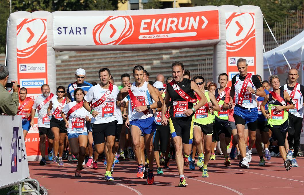 Atleti impegnati questa mattina a Milano nella Edenred Ekirun, 26 settembre 2015. ANSA / MATTEO BAZZI