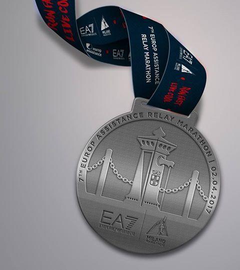 milano marathon medaglia staffetta